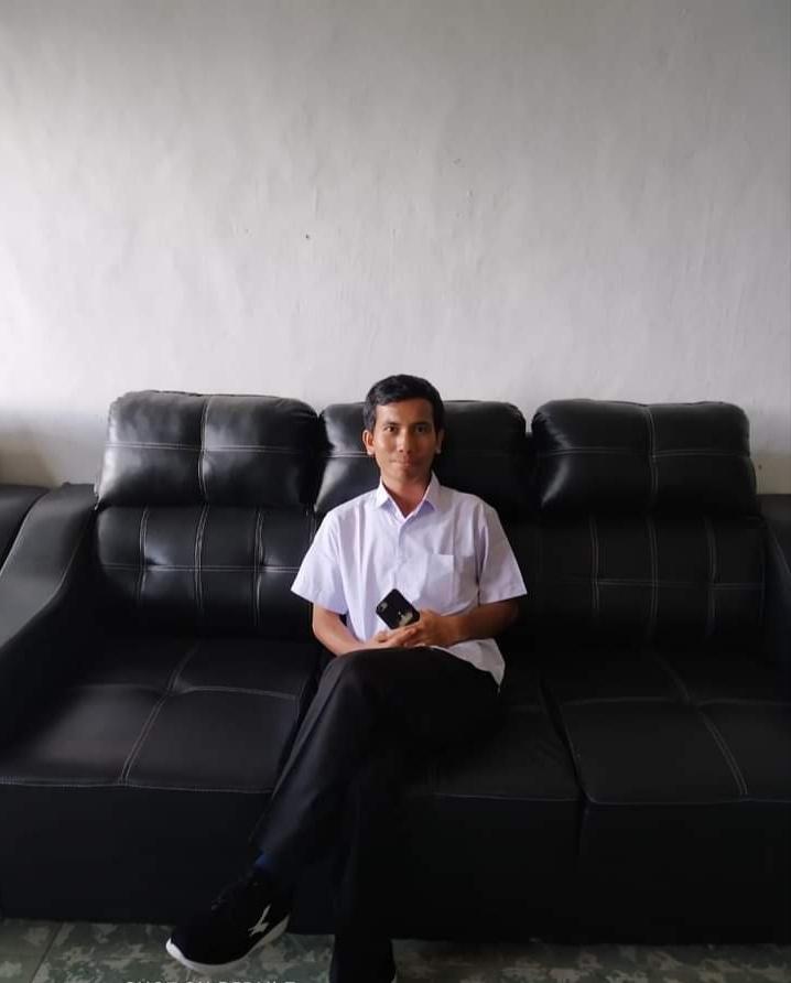 "Layakkah Kata ""ANJAY"" Dipakai? Junifer Siregar  Dosen Pendidikan Bahasa Indonesia FKIP UHKBPNP"