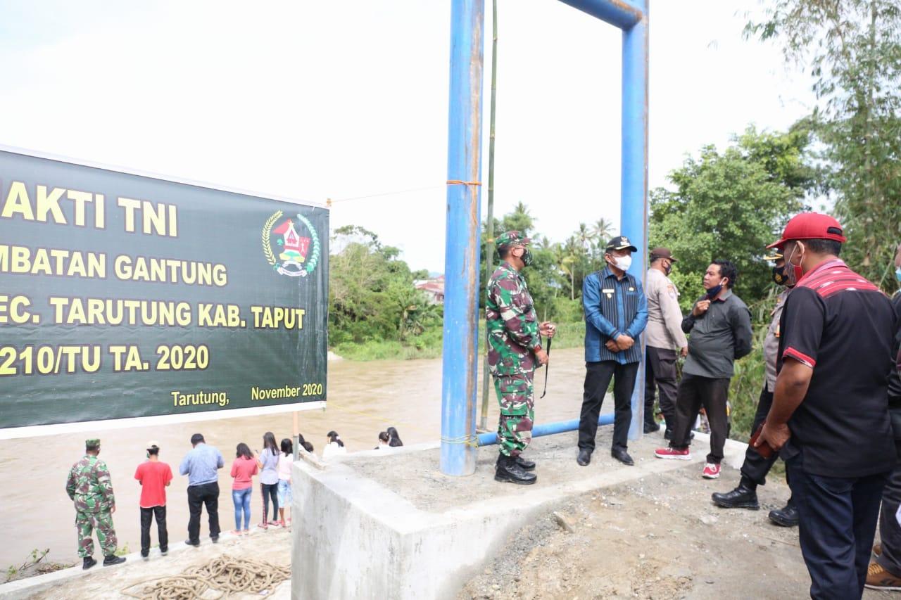 Tarutung : Wakil Bupati Taput Resmikan Jembatan Gantung Desa Parbaju Toruan.
